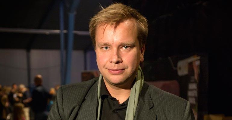 Antti Kaikkonen viettää öitään Jannika-rakkaansa luona.