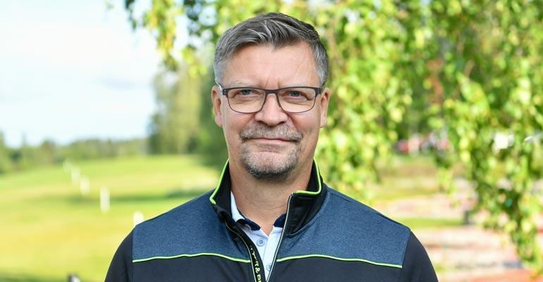 Jukka Jalonen kävi kaljalla.