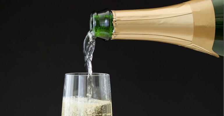 Samppanjako avain pitkään ikään?
