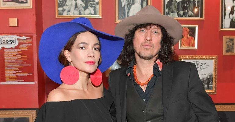 Meeri Koutaniemi ja Sami Yaffa kuhertelivat tanssiohjelman kulisseissa.