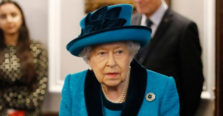 Kuningatar Elisabetin siivooja saa vaatimatonta palkkaa.