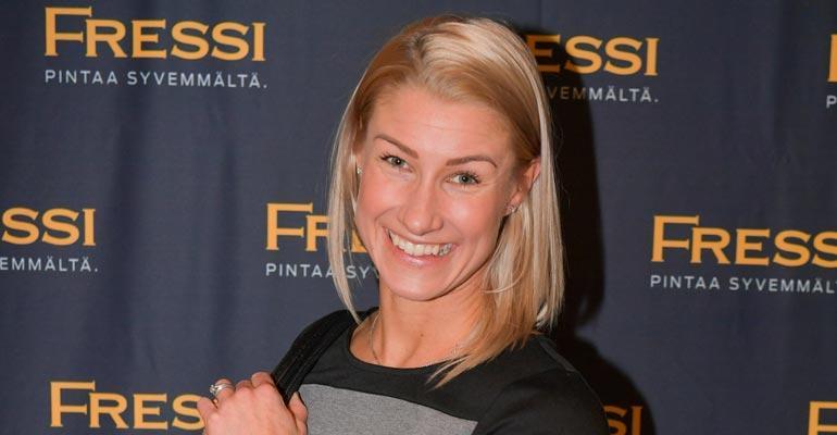 Hanna-Maria Seppälä saa tukea puolisoltaan pänttäämiseen.