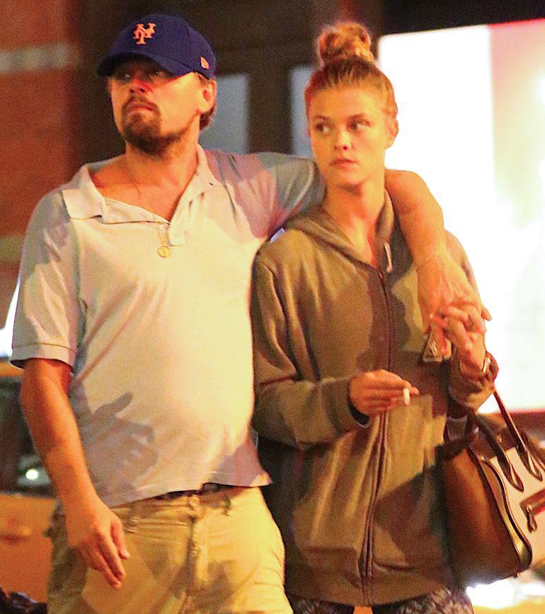 Leonardo DiCaprio ja Nina Agdal kävelyllä