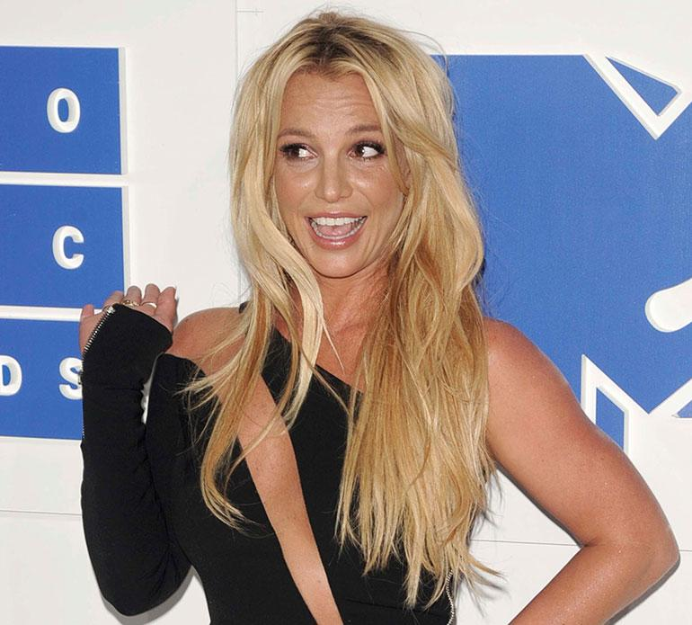 Britney Spears puanisella matolla