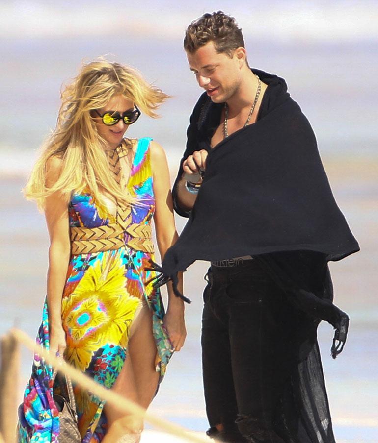 Paris Hilton ja mysteerimies