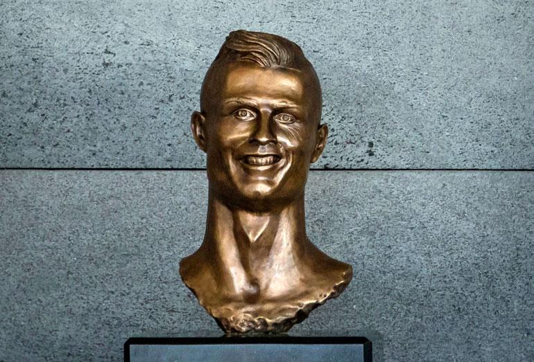 Cristiano Ronaldon näköispatsas