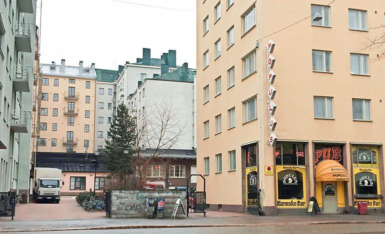 sara ja roope muuttivat lähelle tunnettua karaokeravintolaa
