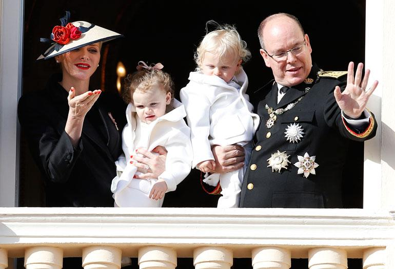 Monacon ruhtinaspari Albert ja Charlene, prinssi Jacques ja prinsessa Gabriella