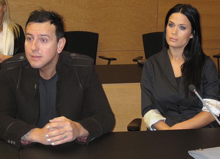 Martina ja Esko oikeudessa