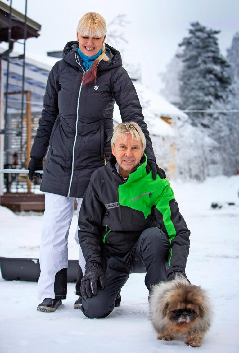 Matti Nykäsen ja Pia-vaimon Tico-koira joutui piikille.