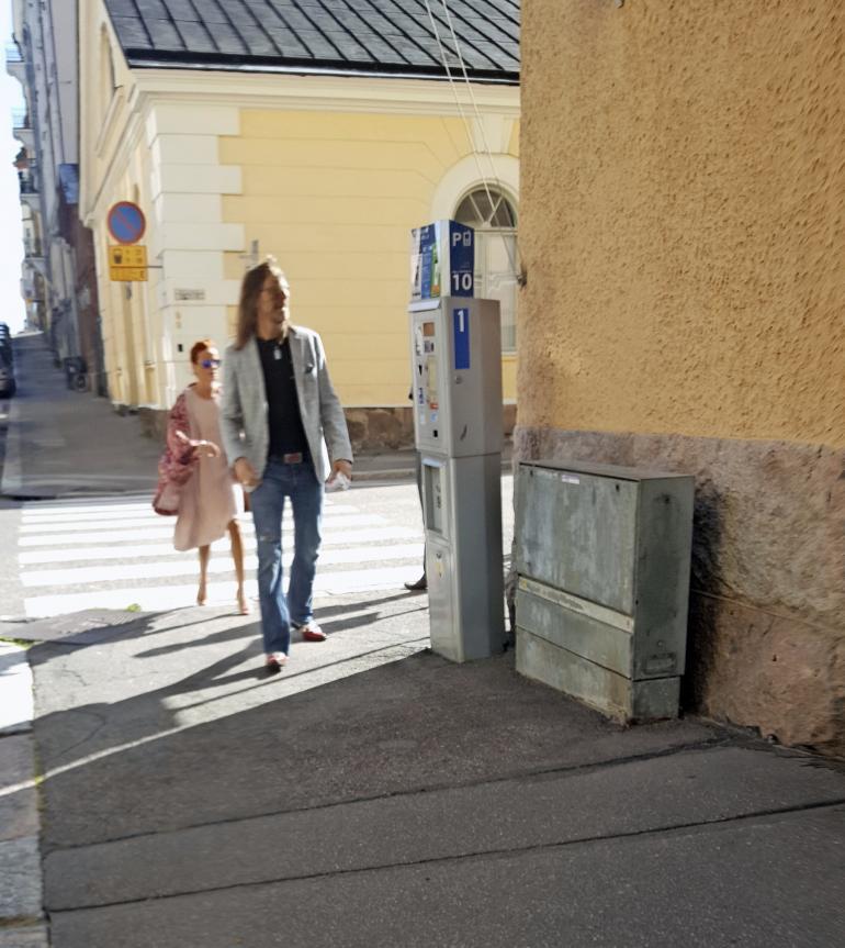Jone Nikula ja Hanna Karttunen etsivät kotia.