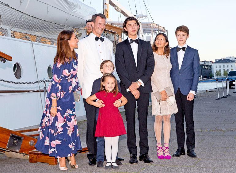 Tanskan prinssi Nikolai perheineen