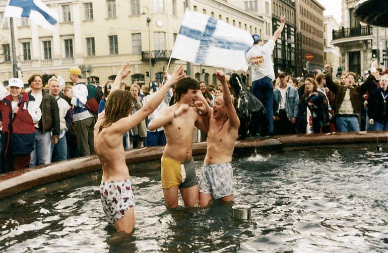 Ihanaa, Leijonat, ihanaa! Torilla tavattiin keväällä 1995.