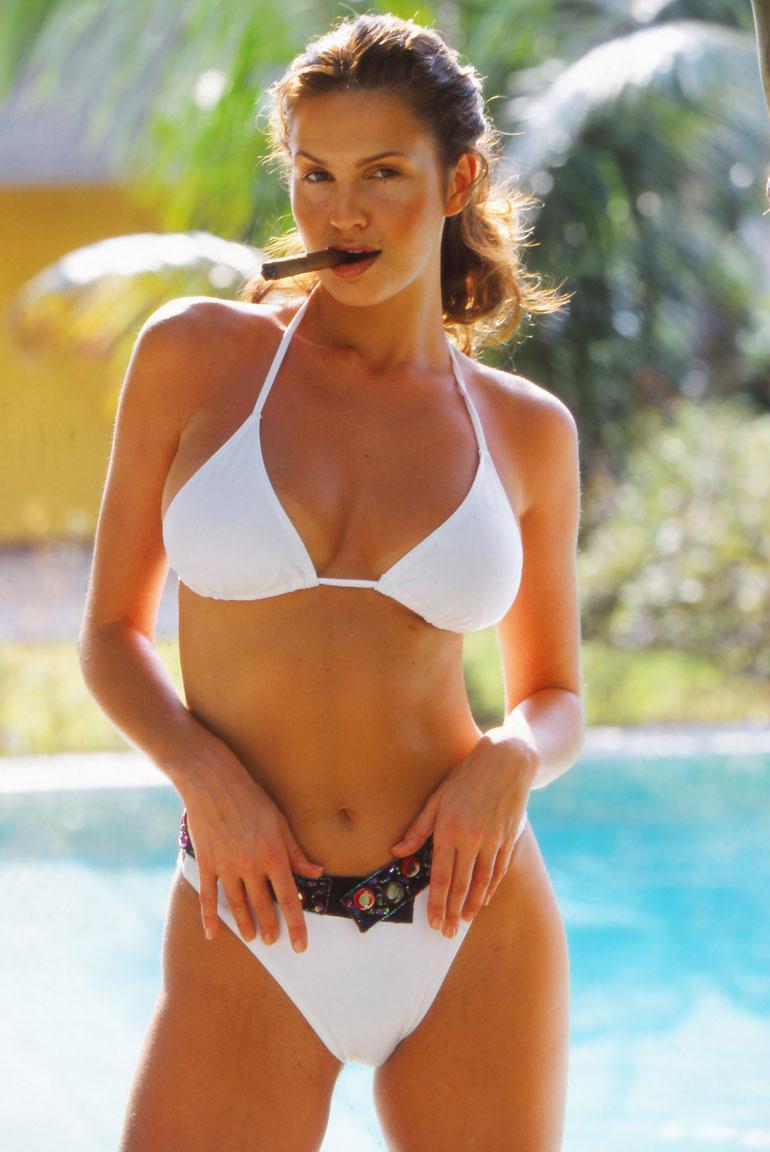 Janina Frostell poseerasi Seiskan kuvauksissa Kuubassa vuonna 2000.