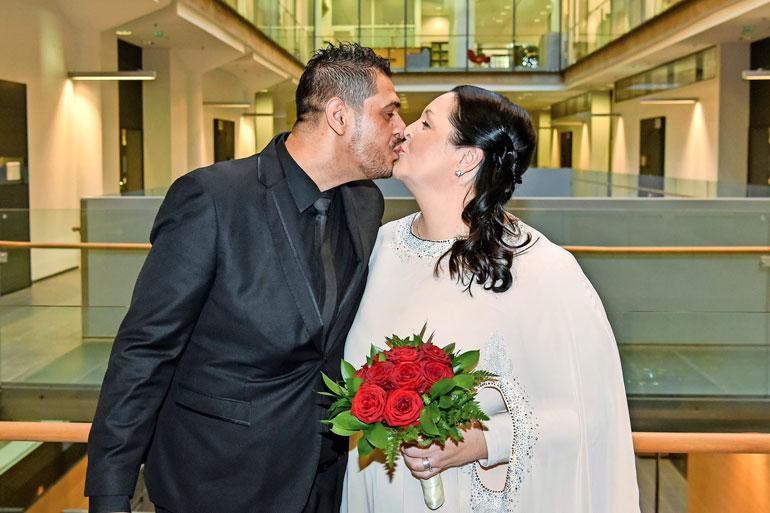 Mia ja Karam pääsivät naimisiin.
