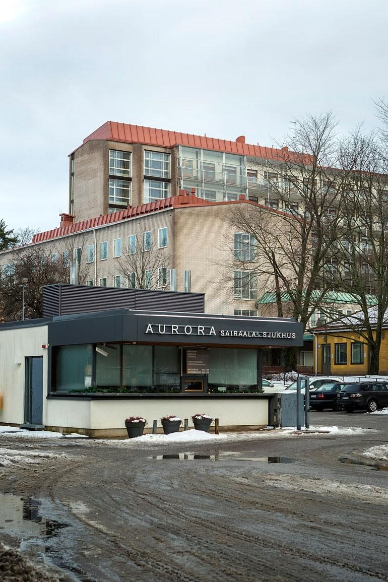 Juha Hurme hakeutui itse hoitoon marraskuussa 2009 helsinkiläiseen Auroran sairaalaan.