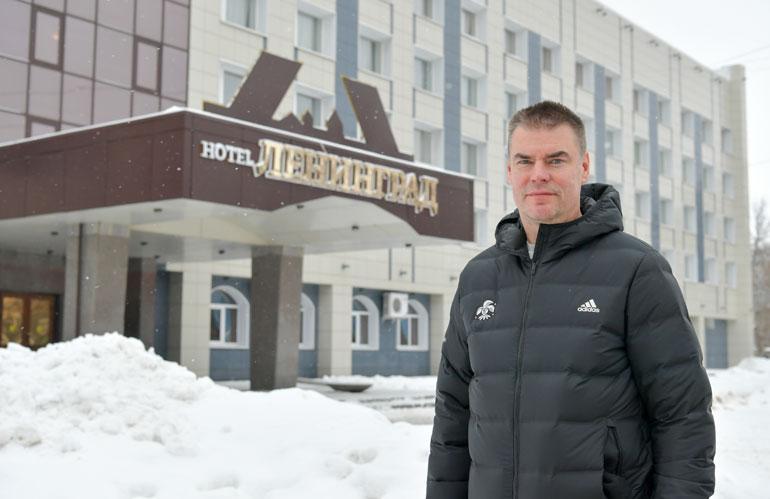 Raimo Helminen näki pitkällä urallaan paljon kaikenlaista, muttei koskaan mitään Eeli Tolvasen laukauksen veroista.