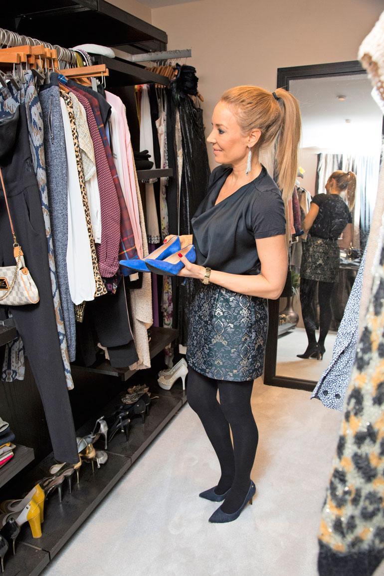 Vaatehuoneen pitää olla iso, sillä vaateliikkettä pyörittävälle Jennille on vuosien varrella kertynyt vaatteita ja kenkiä joka lähtöön.