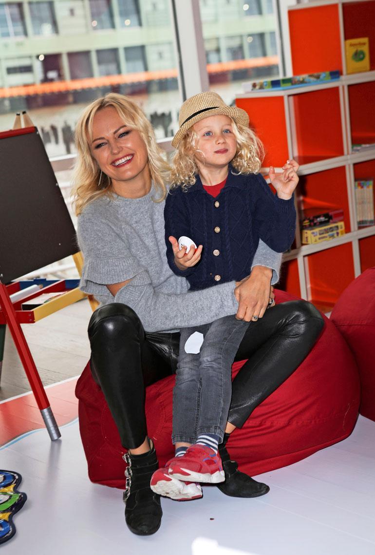 Malinilla on neljävuotias poika Sebastian Roberto Zinconen kanssa.