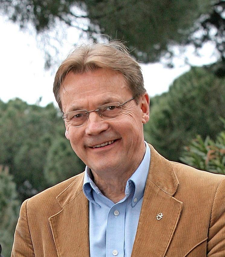 Mediapersoona Timo T.A. Mikkonen kuoli vuosi sitten.
