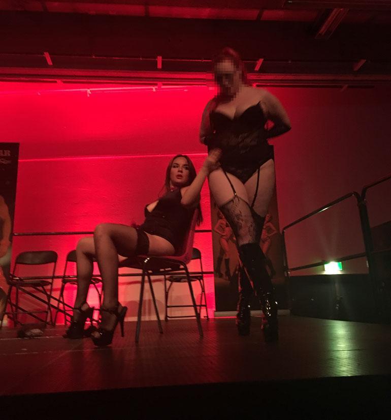 TIS-Milja Sexhibitionissa