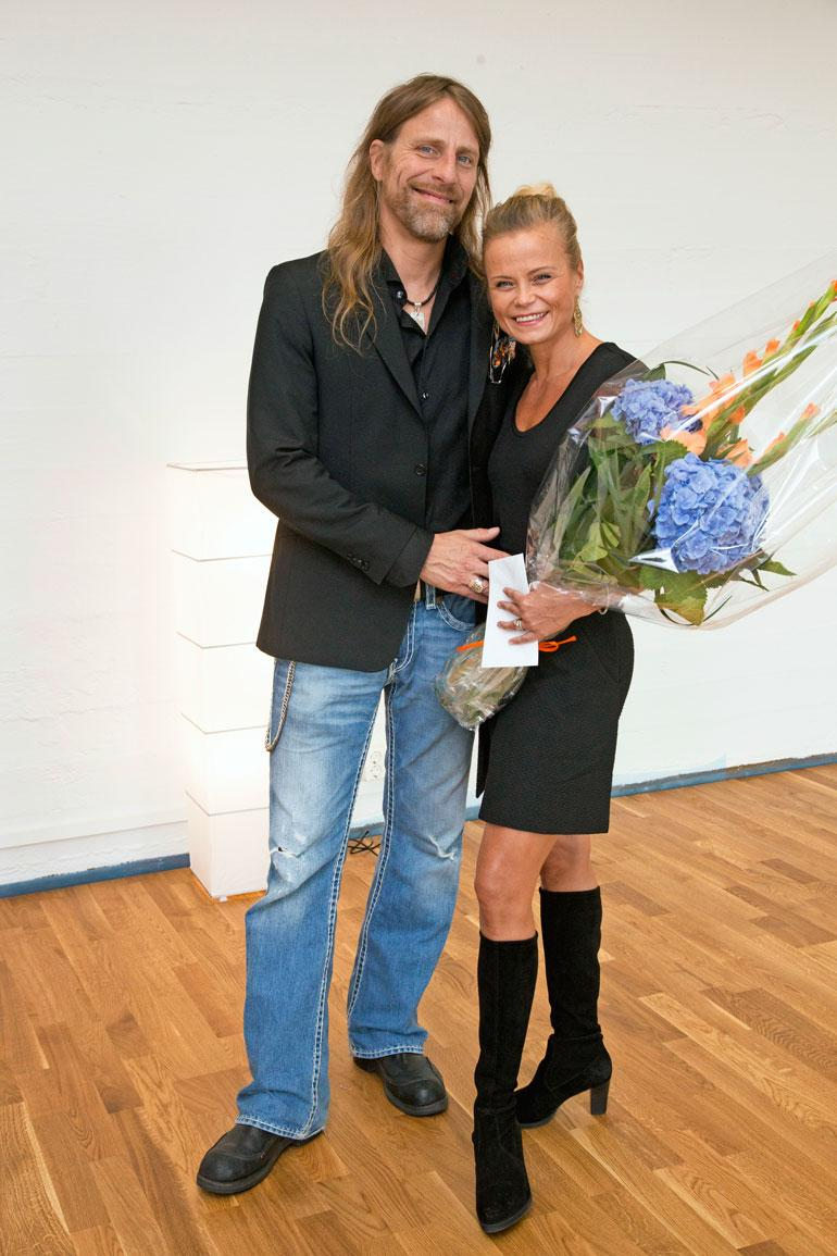 Hannaa ei ole nähty Suomen TTK:ssa, mutta hänen Jone-kultansa on sekä kilpaillut että tuomaroinut ohjelmassa. Hanna ja Jone avioituivat 2014.