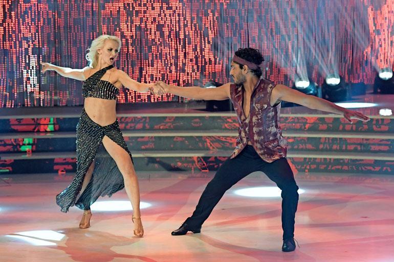 Veeran tanssipari, mallikomistus Akash Kumar saa varmasti naisihailijat puolelleen.