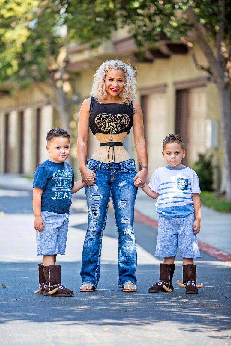 Diana alkoi kuristaa vyötäröään neljä vuotta sitten saatuaan kaksoset.