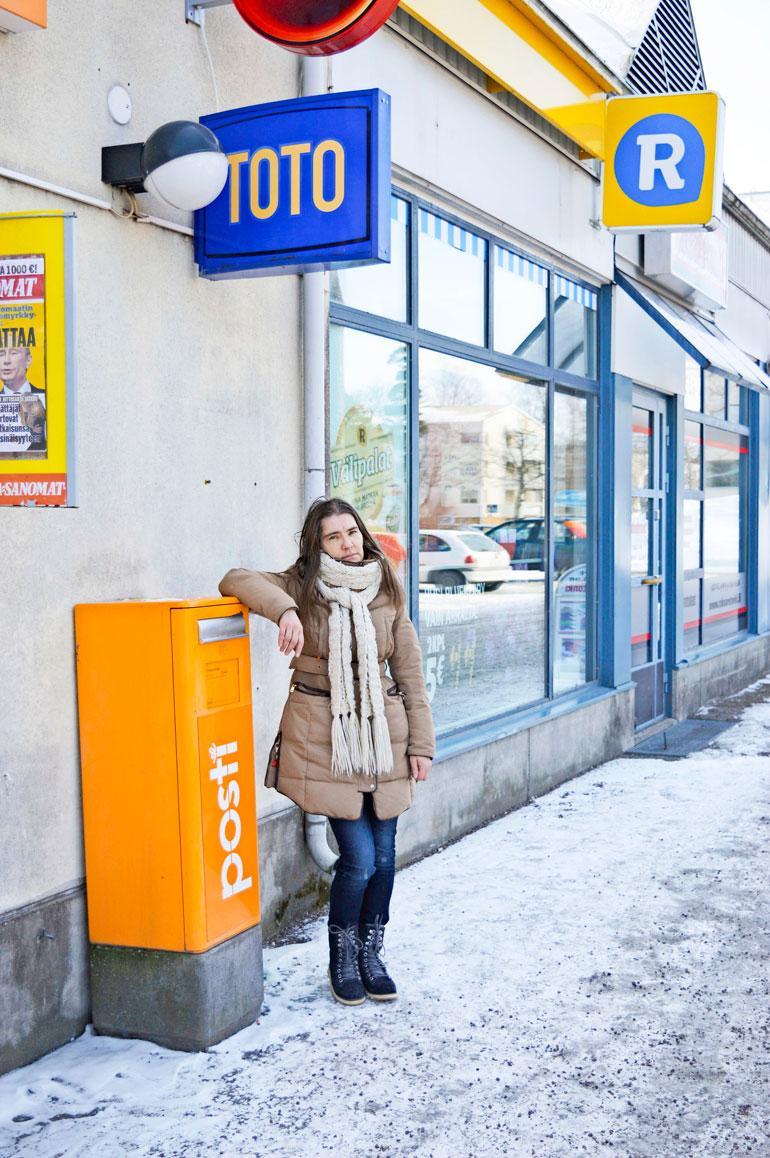 R-kioskin franchise-toiminta nousi julkisuuteen alkuvuodesta, kun 10 konkurssin tehnyttä yrittäjää jätti Vantaa käräjäoikeuteen kanteen. Käräjäoikeus päätti jättää sen käsittelemättä. – Myös minulle sanottiin, että on turhaa lähteä taistelemaan oikeuteen, Kirsi Leppälä kertoo.