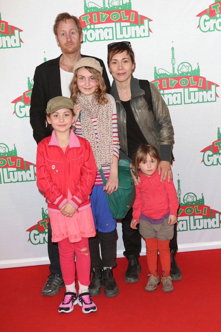 Gustafin elämänkumppani Jessica Liedberg on miehensä tavoin näyttelijä. Parilla on kolme tytärtä: Ella, 12, Edit, 15,  ja Märta, 7.  Kuva on vuodelta 2014.
