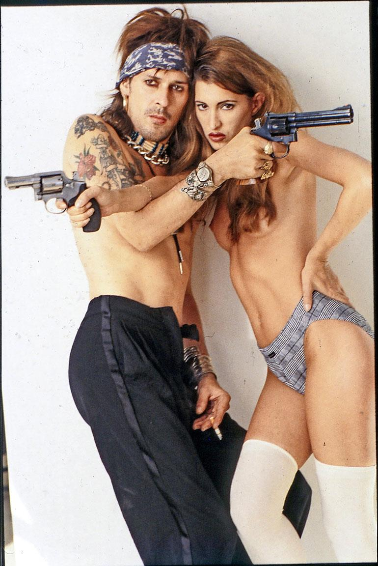Andy kertoi Seiskalle vuonna 1999 olevansa lähes vararikon partaalla, koska levy-yhtiöt ja managerit huijasivat häneltä rahaa hänen ollessaan huumeista sekaisin. Kuva vuodelta 1995.
