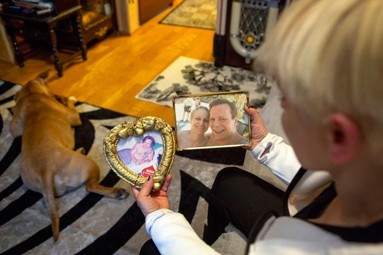 Satu Anderssonin asunto on täynnä yhteiskuvia hänen ja miehensä, tunnetun ammattirikollisen Raimo Anderssonin yhteiseltä matkalta.