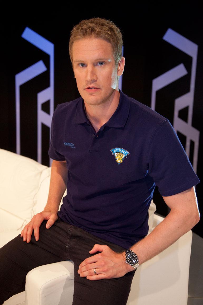 Entinen NHL-puolustaja Ossi Väänänen lopetti kiekkouransa vuonna 2016.