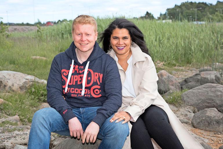 Sampo ja Minttu ovat seurustelleet jo kahdeksan vuotta ja ovat edelleen kuin vastarakastuneita.