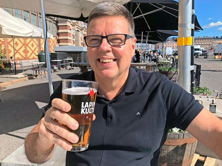 – Muutama olut tuli nautittua läheisten kanssa heti vapautumisiltana, Jari Aarnio kertoo.