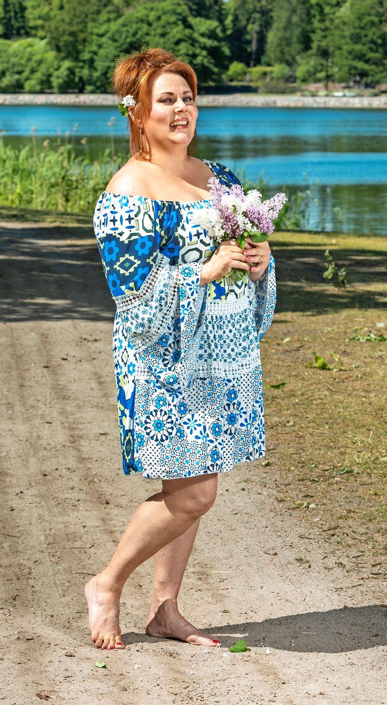 Timo T.A. Mikkosen leski Nina Mikkonen ei aiemmin ole pystynyt edes ajattelemaan, että voisi rakastua uudelleen. – Kuka tietää, ehkä edessä on käänteen tekevä kesä, Nina hymyilee.