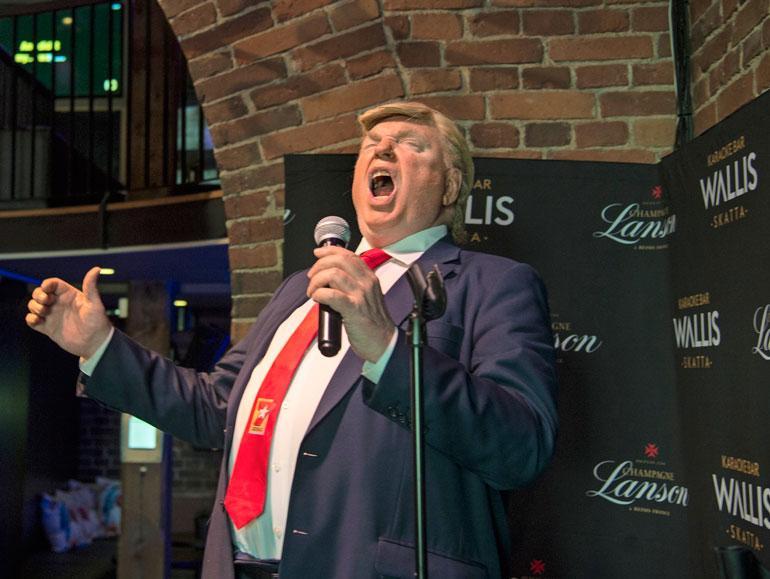 Päivä huipentui karaokeravintola Wallisiin, missä Dennis lauloi Frank Sinatran klassikkokappaleen New York, New York.