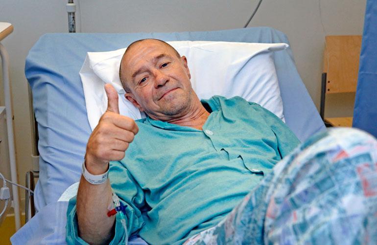 Enzo meinasi kuolla vakavaan haimatulehdukseen. Laulajan vointi on onneksi parempaan päin.