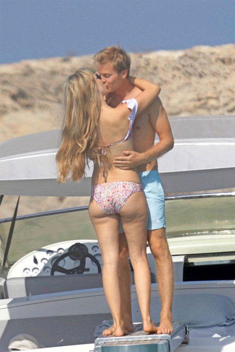 Vivian ja Nivo lomailivat piskuisen Formenteran saaren tuntumassa aivan Ibizan edustalla.