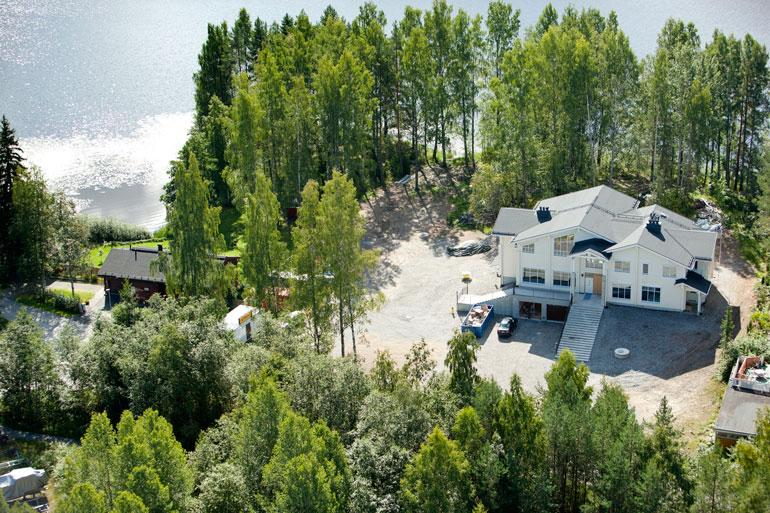 Samin hirsilukaali valmistui Kuopioon Kallaveden rannalle vuonna 2011.