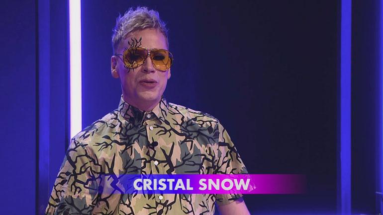 Cristal Snow juontaa Kymppitonnia.