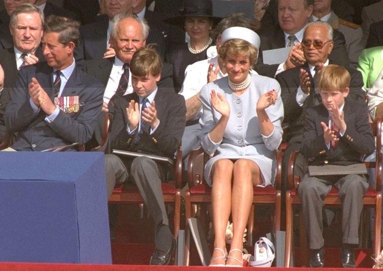 Walesin prinssi Charles, prinsessa Diana, prinssit William ja Harry