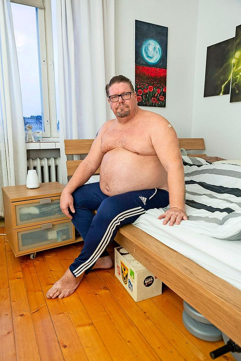 Painon nousu johtuu Henryn oman veikkauksen mukaan testosteronivajeesta. Testosteronin määrä oli mittauksessa selvästi alle miesten viitearvojen.
