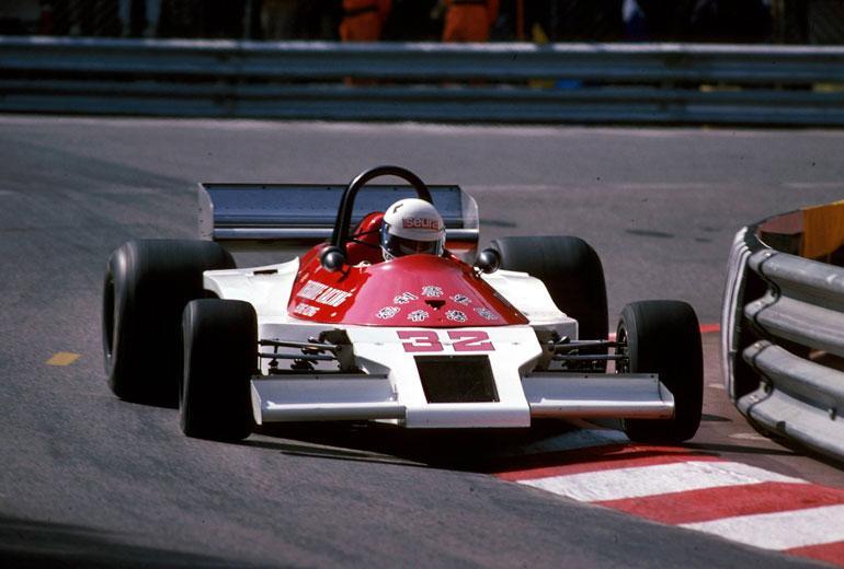 Keke ajamassa Formula 1 -autoa vuonna 1978.
