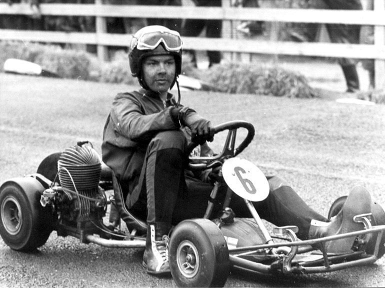 Keke karting-auton ratissa vuonna 1966.