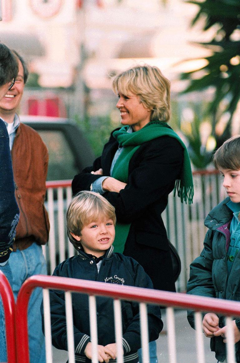 Keken vaimo Sina ja poika Nico.