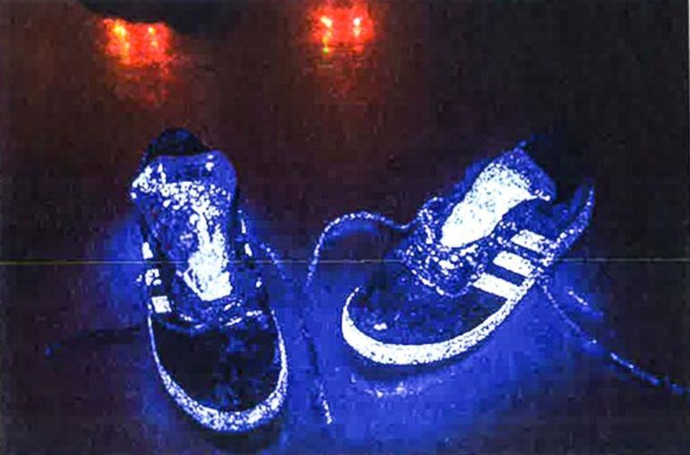 Miessyytetyn kengät käsiteltynä verenosoitustestillä.