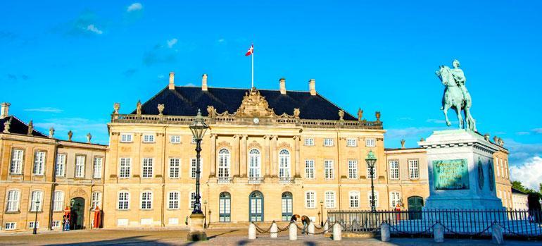 Amalieborgin palatsi