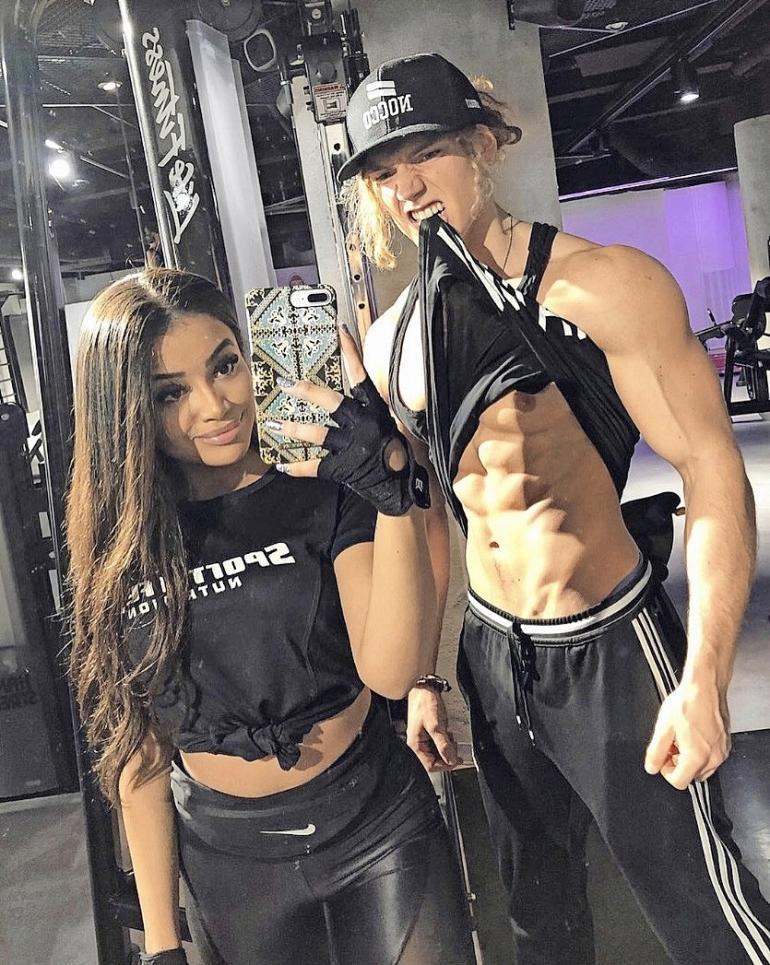 Sporttinen Eva on valinnut rinnalleen erittäin urheilullisen ja todella kovakuntoisen, valtavilla lihaksilla vuoratun 23-vuotiaan Benjaminin.