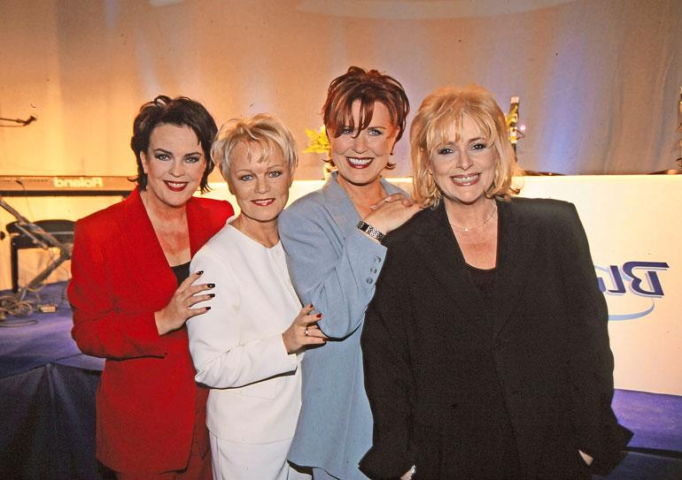 Leidit lavalla oli Paula Koivuniemen, Katri-Helenan, Lea Lavenin ja Marionin suurproduktio vuonna 2000. Samana vuonna he julkaisivat myös albumin nimeltä Leidit levyllä. Se myi kultaa.